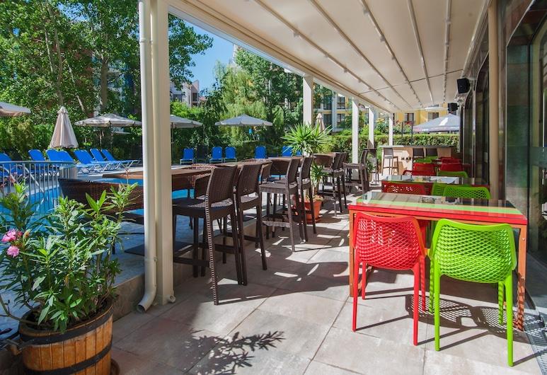 Mariner's Suites, Sunny Beach, Tempat Makan Luar Ruangan