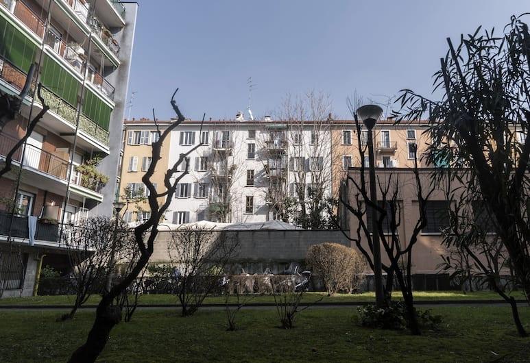 Italianway   - Pastorelli, Milano, Facciata della struttura