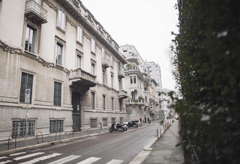Italianway   - Vivaio, Milano, Esterni
