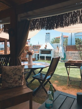 Picture of Maydonoz Hotel By Zevkliler Alacati in Cesme