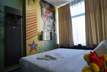 Picture of Hostel Log Inn in Skopje