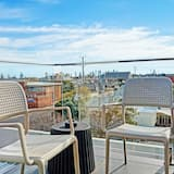 Penthouse Apartment, 2 Bedrooms, Patio - Balcony