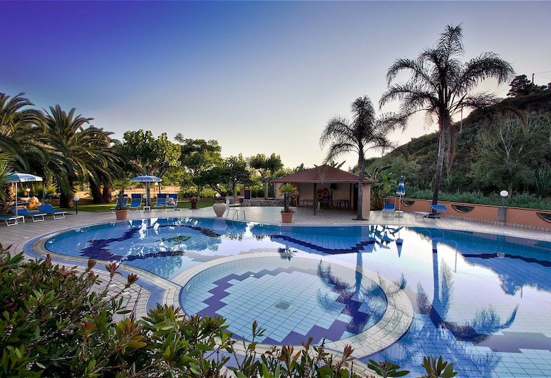 Old River Residence, Ricadi, Outdoor Pool