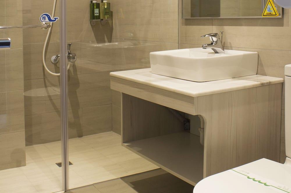 Deluxe-Zweibettzimmer, 2Doppelbetten - Badezimmer