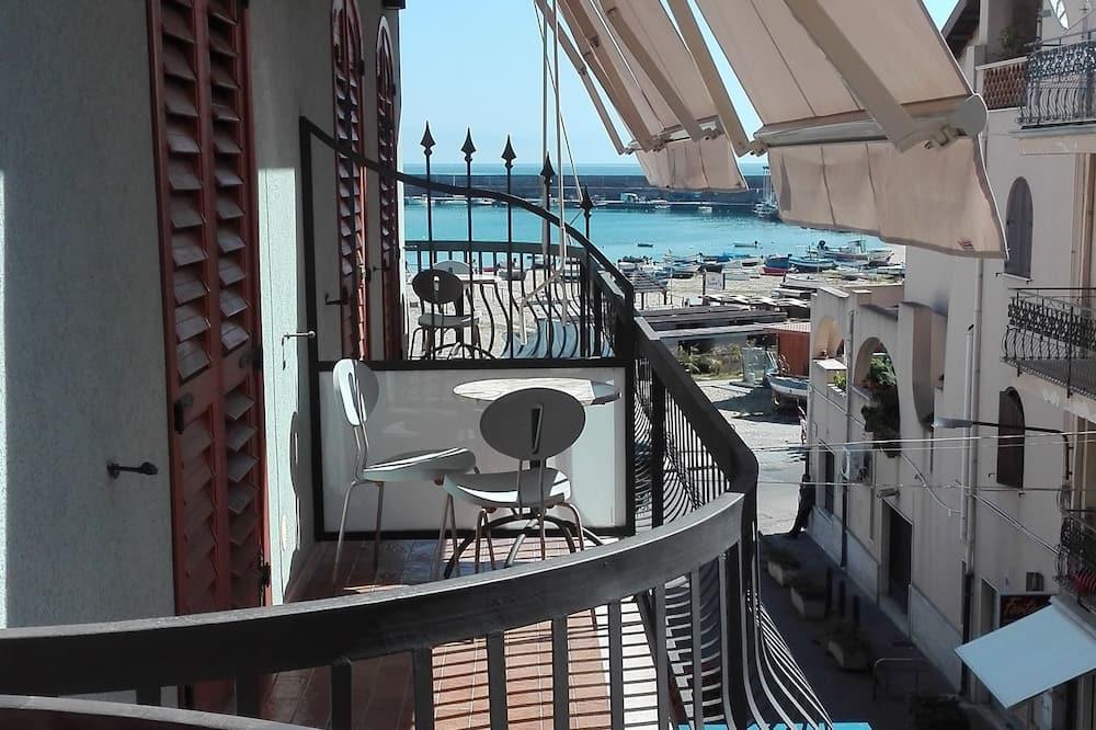Classic Triple Room - Balcony