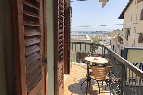 卡拉史基索公寓飯店/