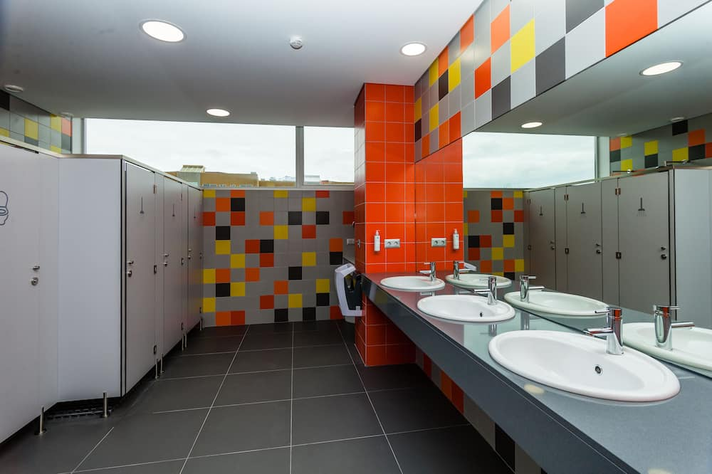 Ühiselamu, ühiskasutatav vannituba (8 people) - Vannituba