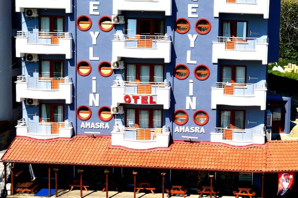 Трехместный номер базового типа, балкон - Балкон