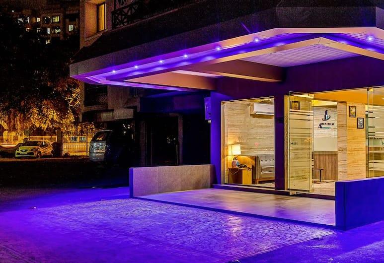 아쇼크 디럭스 아파트먼츠, 뭄바이, 숙박 시설 정면
