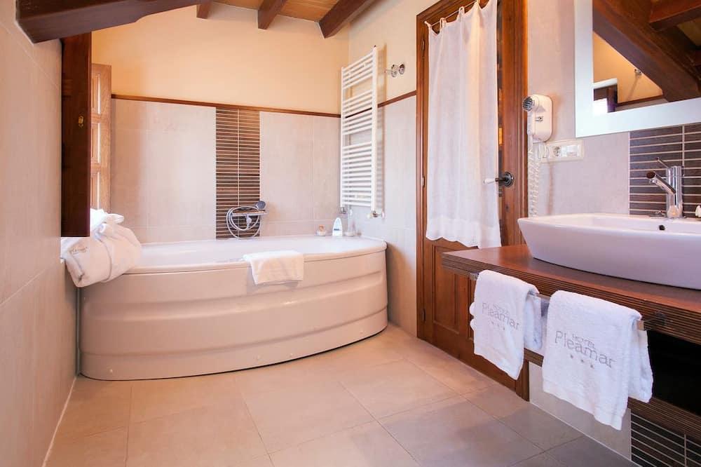 Deluxe dvokrevetna soba, masažna kada, pogled na more - Kupaonica