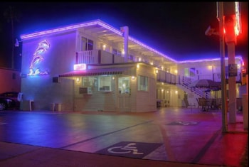 Picture of Dolphin Motel in San Diego
