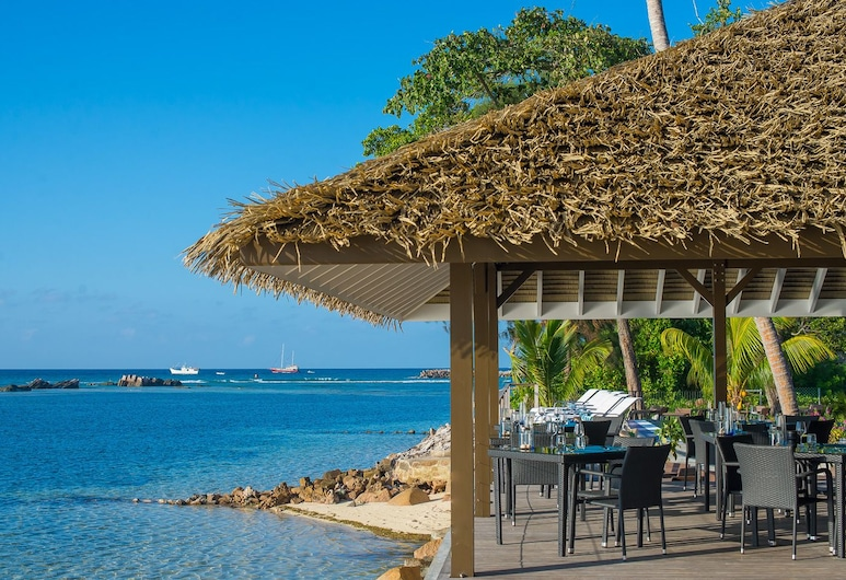 Le Nautique - Luxury Waterfront Hotel, La Digue, Açık Havada Yemek