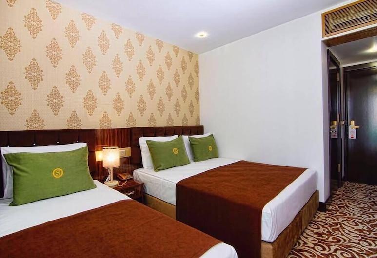S White Hotel, Konyaaltı