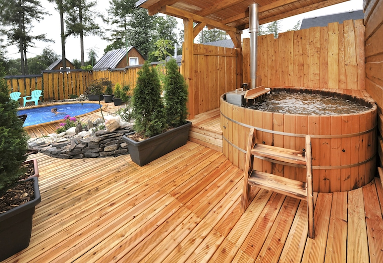APLEND Villas Tatry Holiday, Velky Slavkov, Outdoor Spa Tub