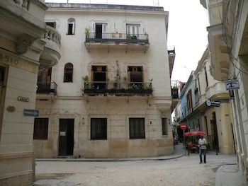 Introduce las fechas para ver los descuentos de hoteles en La Habana