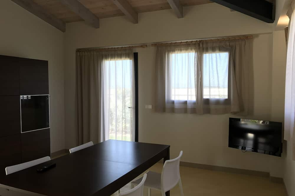 Junior Suite - In-Room Dining