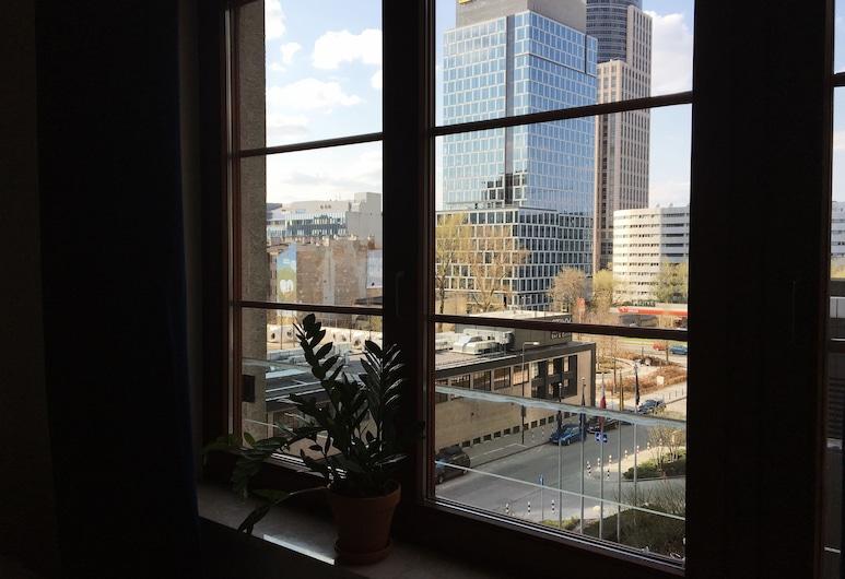 Lucka Rooms - Hey Jude B24.7, Varsovia, Habitación, baño compartido, Vista desde la habitación