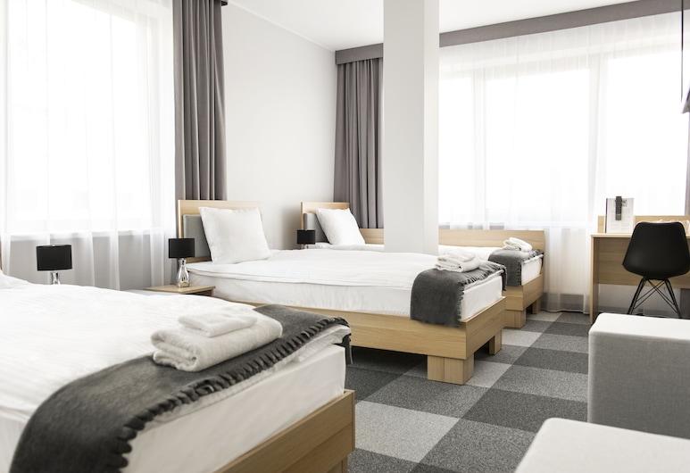 WAW Hotel Airport Okęcie, ורשה, חדר קלאסי יחיד, מיטת יחיד, חדר אורחים