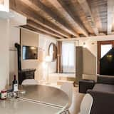 Apartment, 3 Bedrooms, Canal View - Living Area