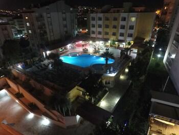 Picture of Oya Apartments in Kusadasi