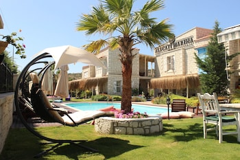 Picture of Alacati Marina Palace Otel in Cesme