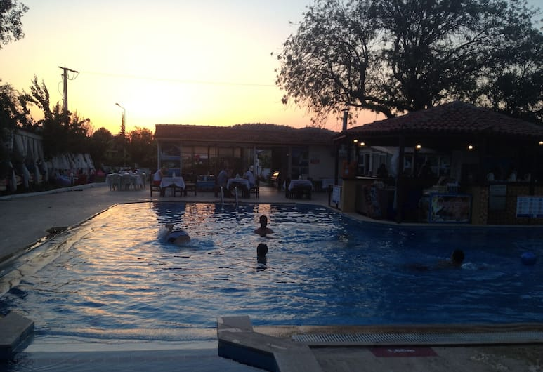 Our Place Hotel, Fethiye, Buitenzwembad