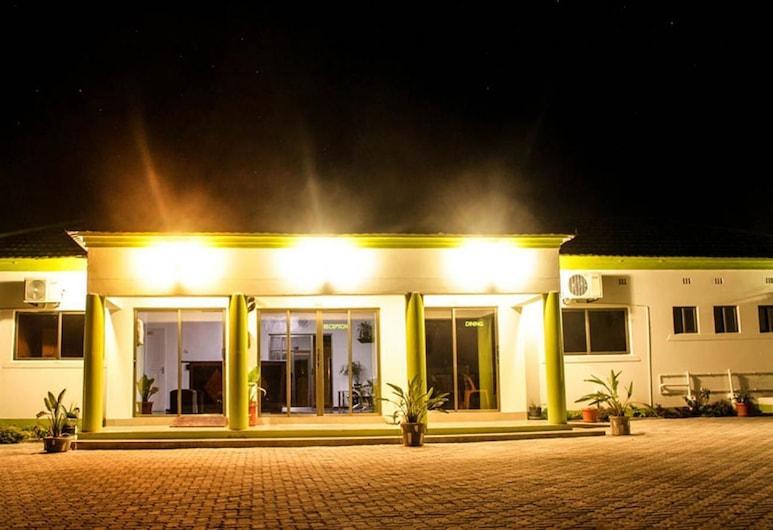 Laha Hotel, Maun, Hotel Front – Evening/Night