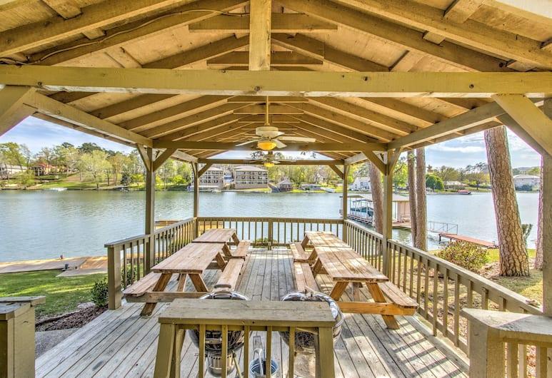 Long Island Lake Resort, Hot Springs, Restaurante al aire libre