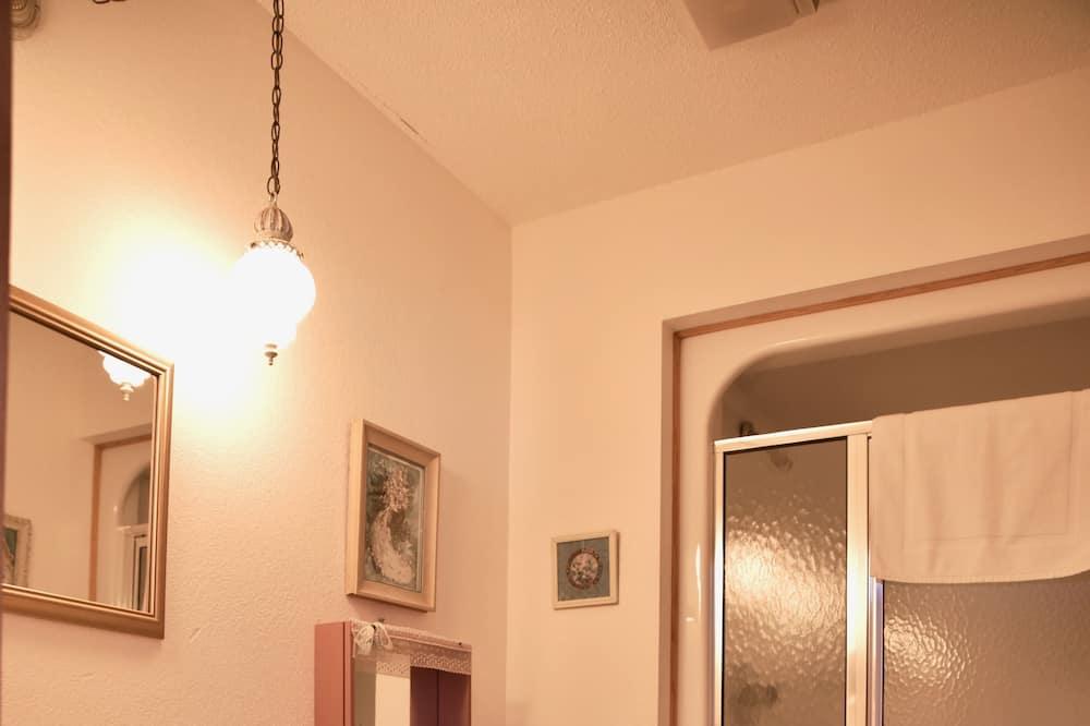 Стандартный номер, 1 двуспальная кровать «Квин-сайз», отдельная ванная комната (Committments) - Ванная комната