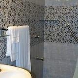 Huone, Oma kylpyhuone (standard Room) - Kylpyhuone