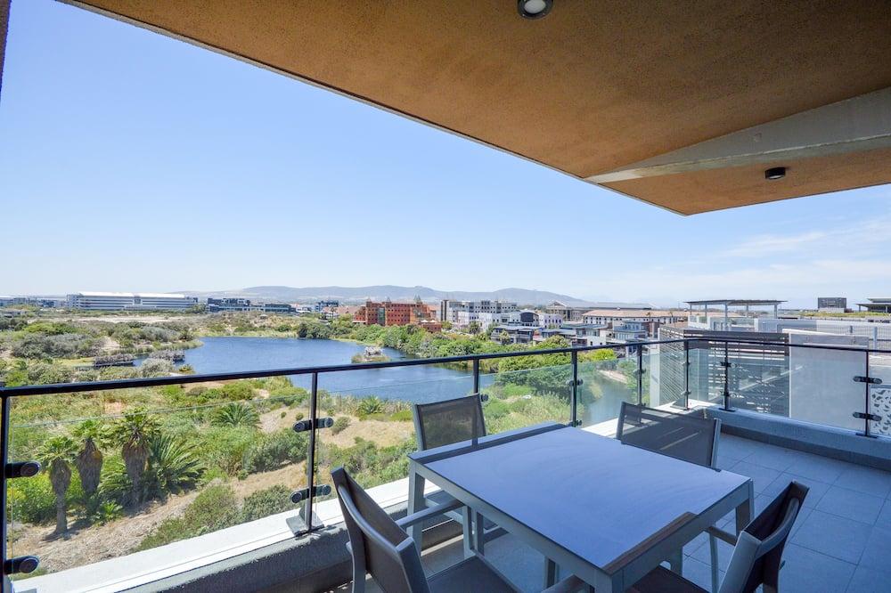 Two Bedroom Superior Waters Edge - Balkon
