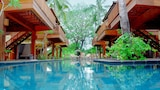 Choose This 3 Star Hotel In Gili Meno