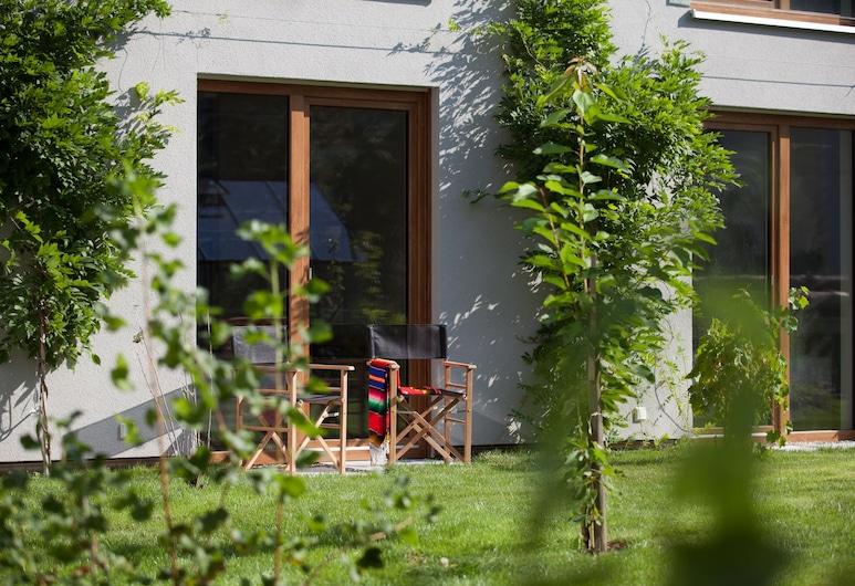 Green Spirit Hotel, Regensburg , Classic Double Room, 1 Bedroom, Garden View, Ground Floor, Bilik Tamu