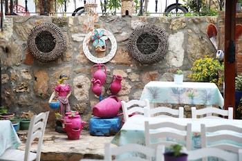 Picture of Ebruli Hotel in Bozcaada