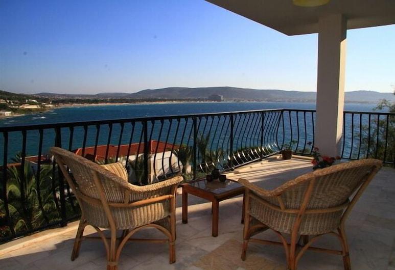 Limonlu Ev Ardic, Cesme, Tek Büyük Yataklı Oda, Bahçe Manzaralı, Balkon