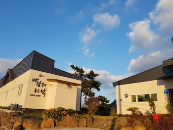 Picture of Wind Jeju Cafe & Pension in Seogwipo