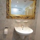 Enkeltværelse - eget badeværelse - Badeværelse