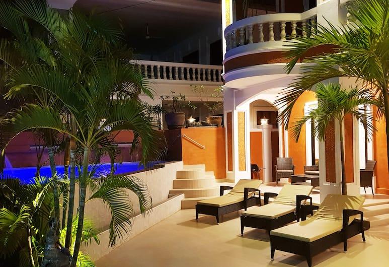 亞蘭德奢華別墅芭堤雅 5 房酒店, 芭堤雅, 無邊際泳池