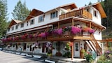 Choose This 2 Star Hotel In Radium Hot Springs