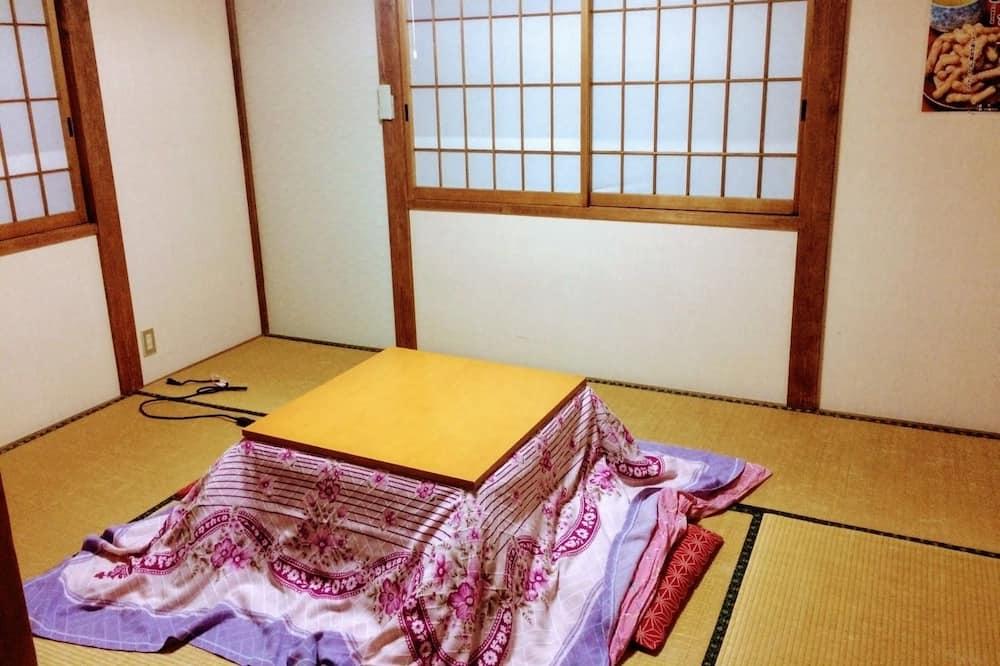 חדר קלאסי (Japanese Style, 3 People) - אזור מגורים