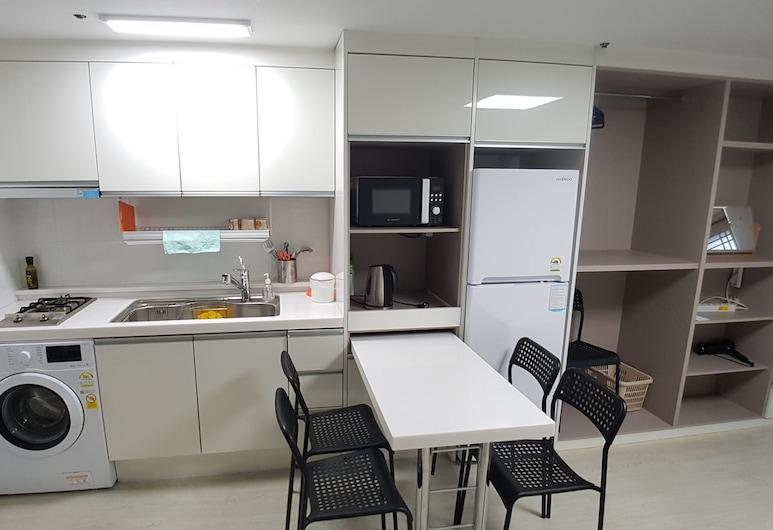 Hyun Stay, Jeju City, Departamento económico, 2 camas Queen size, cocina (L), Habitación