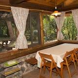 Trobelė šeimai, 2 miegamieji (Troncos) - Vakarienės kambaryje