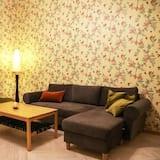 Classic Apartment, 3 Bedrooms - Living Room