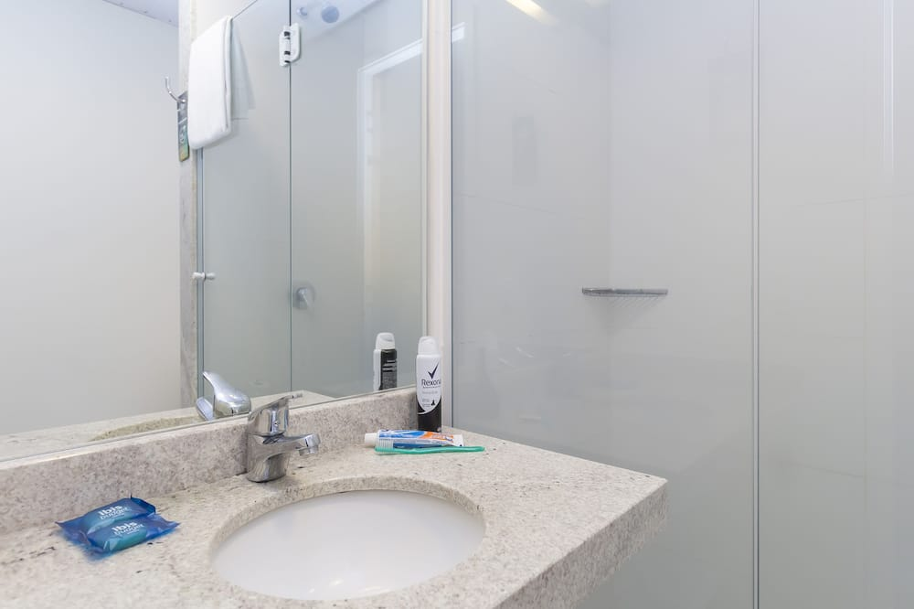 Standard-huoneisto, 1 parisänky - Kylpyhuone