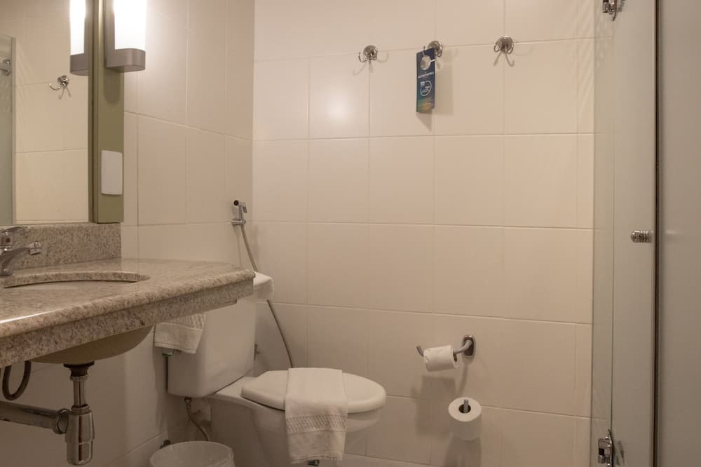 Apartment, 1 Double Bed - Bathroom