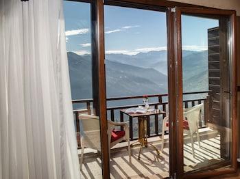 Picture of Sera Lake Resort Hotel Spa & Aparts in Akcaabat