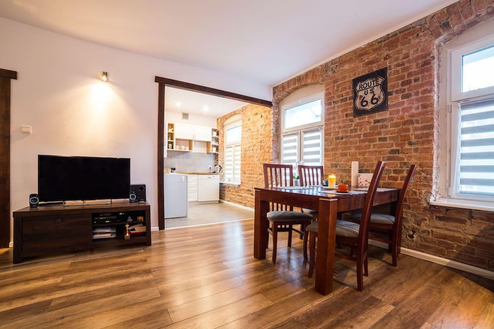 Klasisks dzīvokļnumurs, viena guļamistaba (Wallenroda 10) - Dzīvojamā zona