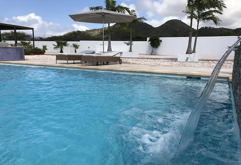 Malika Apartments, Sabana Westpunt, Vodopád v bazéne