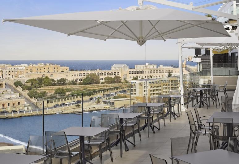 Holiday Inn Express Malta, St. Julian's, Terrace/Patio