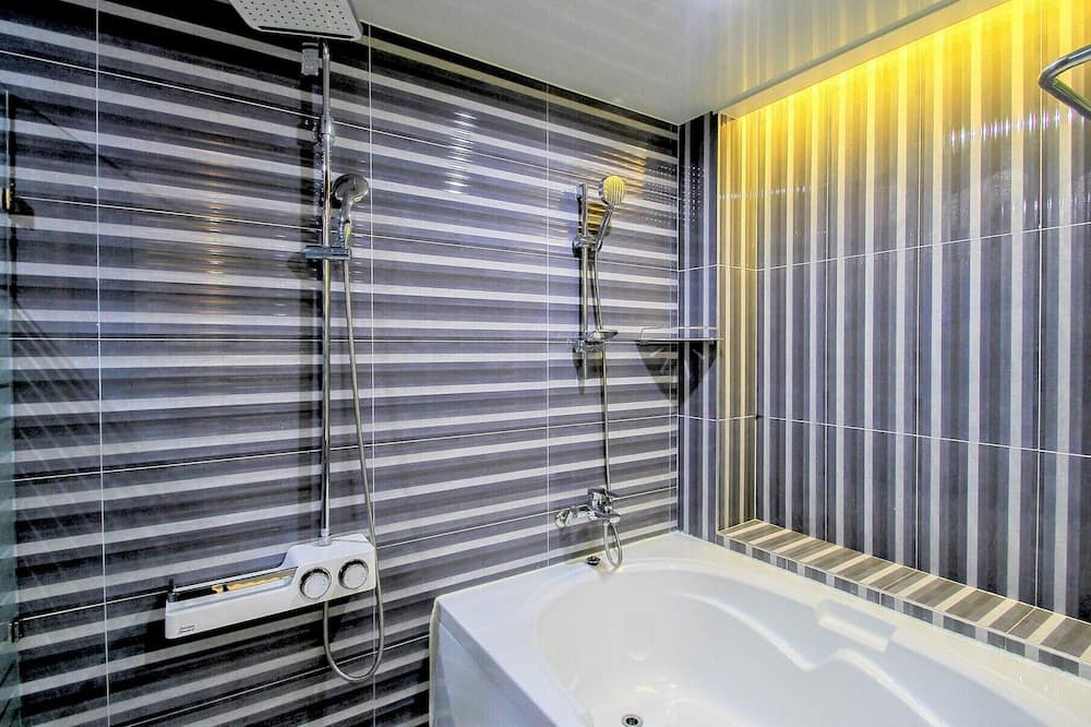 Premium Double Room, 1 Katil Raja (King) - Bilik mandi